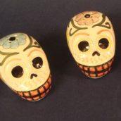 salt-pepper-shaker-skulls-1396924320-jpg