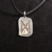 runes-necklaces-1441765871-jpg